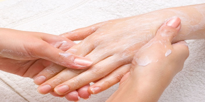 Miraculous Benefits of Hot Oil Manicure4