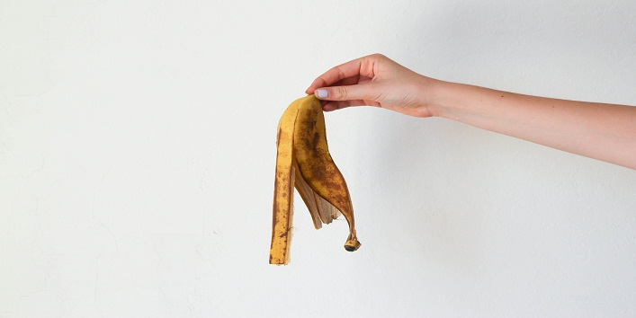 Use Banana Peels To Cure Acne and Pimples1