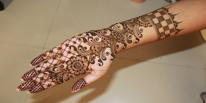 Bombay Style Mehndi Designs8