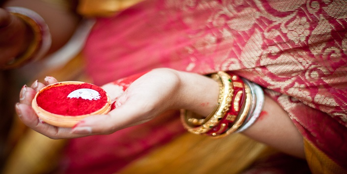 Married Women Wear Sindoor7