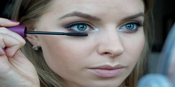 Tips for Perfecting Mascara Eyes4
