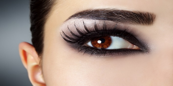 Eyeliner Can Cause Vision Problems1