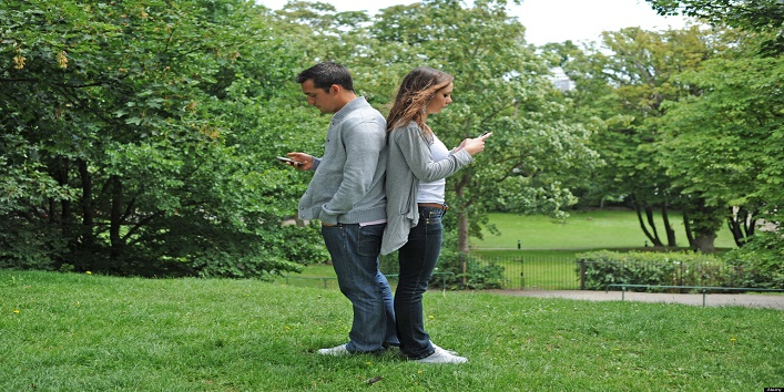 facebook and cell phones ruin relationships dating