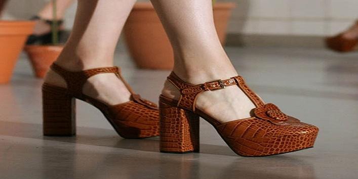 wearing-heels5