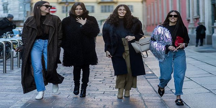 MILAN, ITALY - JANUARY 17: Diletta Bonaiuti, Giorgia Tordini, Giulia Tordini, Gilda Ambrosio outside Missoni during Milan Men's Fashion Week Fall/Winter 2016/17 on January 17, 2016, in Milan, Italy (Photo by Christian Vierig/Getty Images)