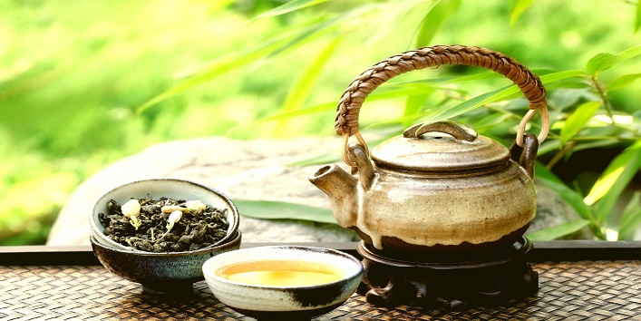 Green-tea-for-steaming-and-glowing-skin