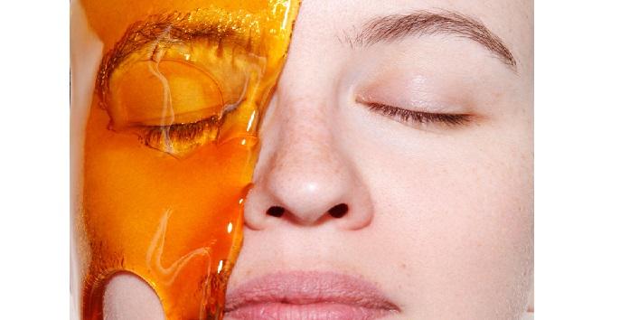 Honey as a natural skin moisturizer