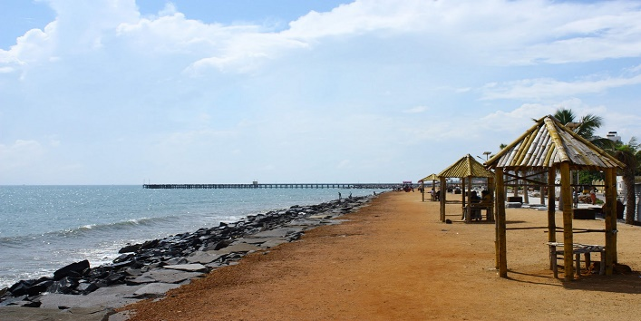 puducherry beach in india