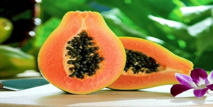 Use-papaya-pulp-to-treat-creases