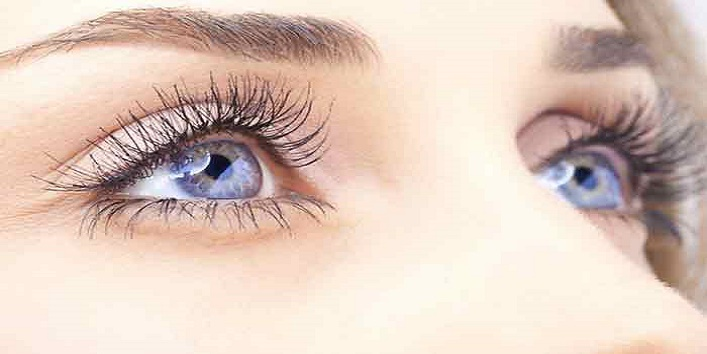 Thicker-lashes-with-some-baby-powder