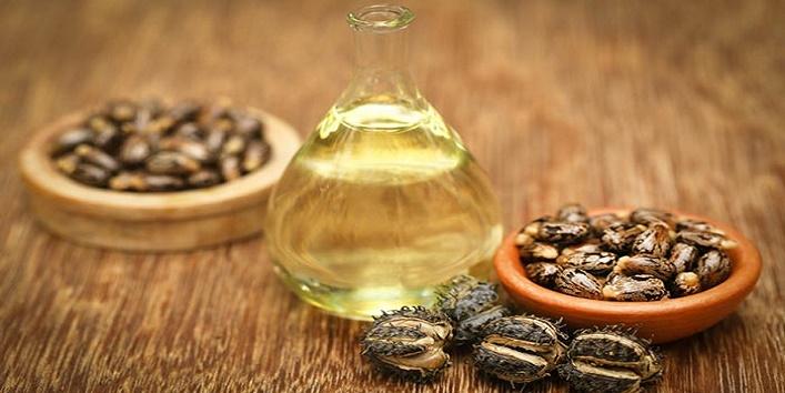 Castor oil for soft lips
