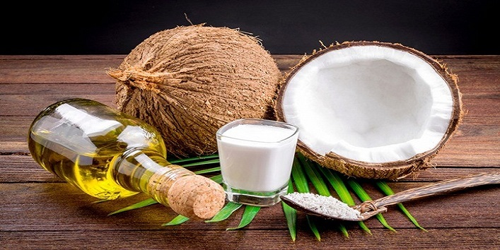 Coconut milk and yogurt mask for deep conditioning