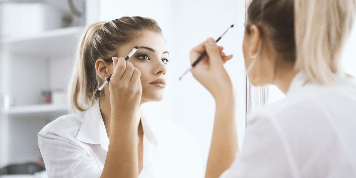 Hacks-to-Apply-Makeup-on-Dry-Skin-15