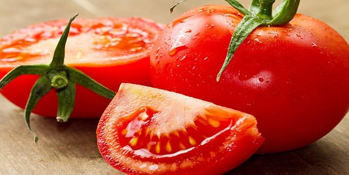 Milk powder and tomatoes
