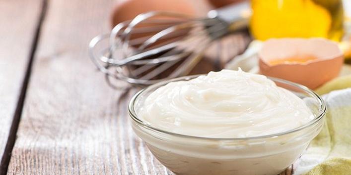 Castor oil and mayonnaise mask