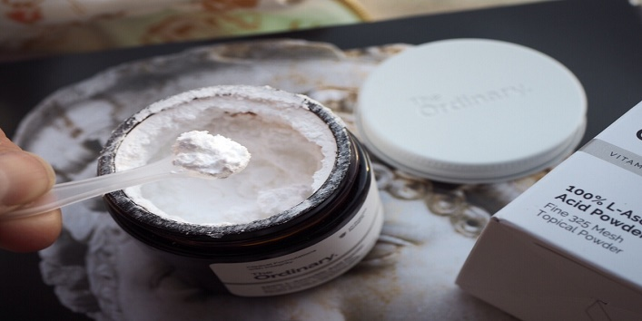 Sprinkle some ascorbic acid powder