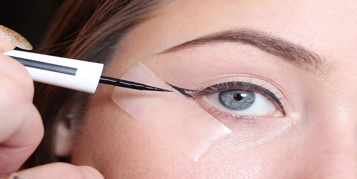 Use tape for a cat eye