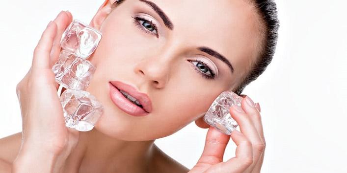 Fix your makeup using ice cubes