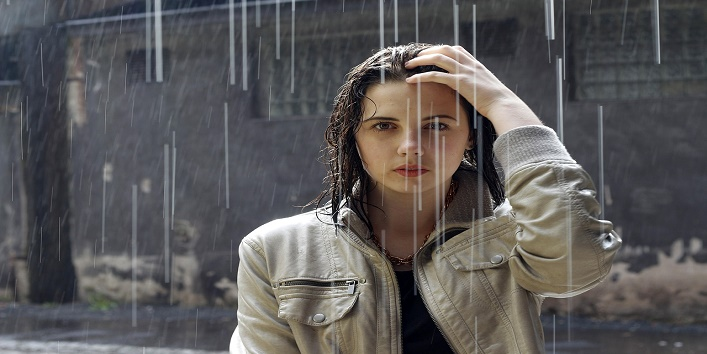 What you can do when you don't have time to wash your hair after getting drenched?