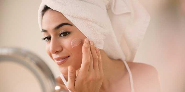 Never Make Your Skin Dry Before Applying Moisturizer