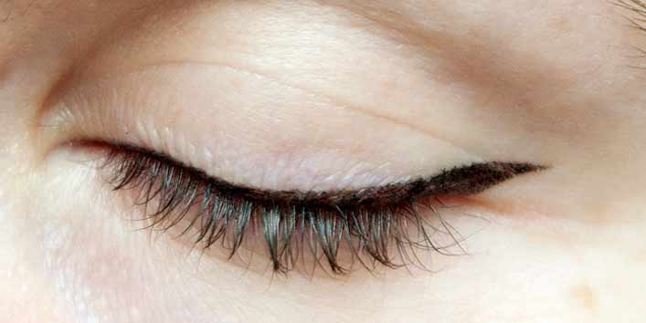 Quick Fix For Your Flaky Eyeliner