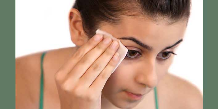 Remove Your make-up Naturally
