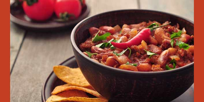 Spicy food ( One of the most common foods that cause heartburn during pregnancy)